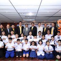 'อลงกรณ์' ให้โอวาท ในพิธีมอบทุนการศึกษาแก่บุตร – ธิดา สมาชิกชมรมช่างภาพการเมือง ครั้งที่ 10